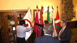 La Bandera de la Paz en el Ayuntamiento de Gernika-Lumo